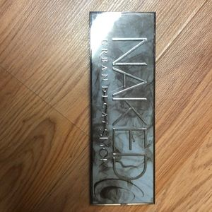 Urban decay naked palette Smokey
